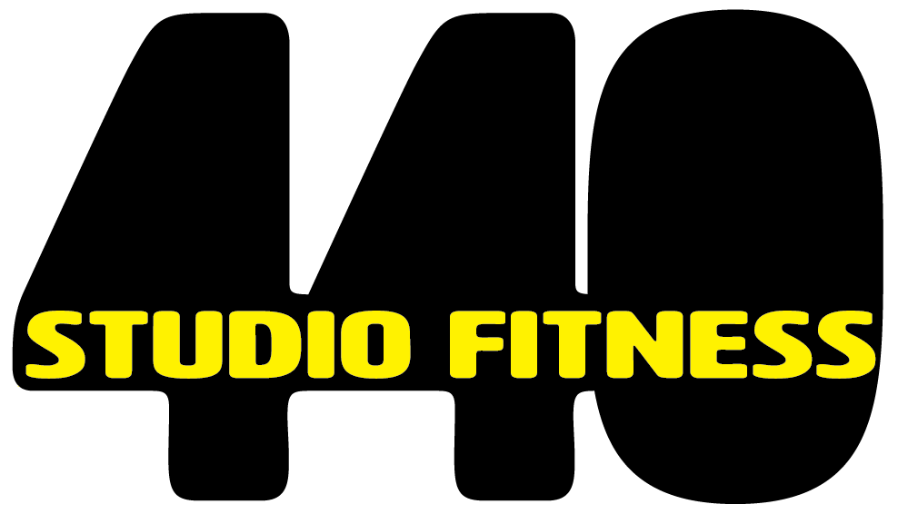 Logotipo 440 Studio Fitness